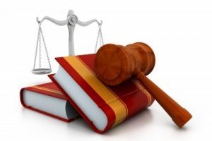 Gavel-And-Books-by-hywards-courtesy-of-FreeDigitalPhotos.net_-400x266